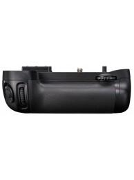 Grip Nikon MB-D15 pentru D7100